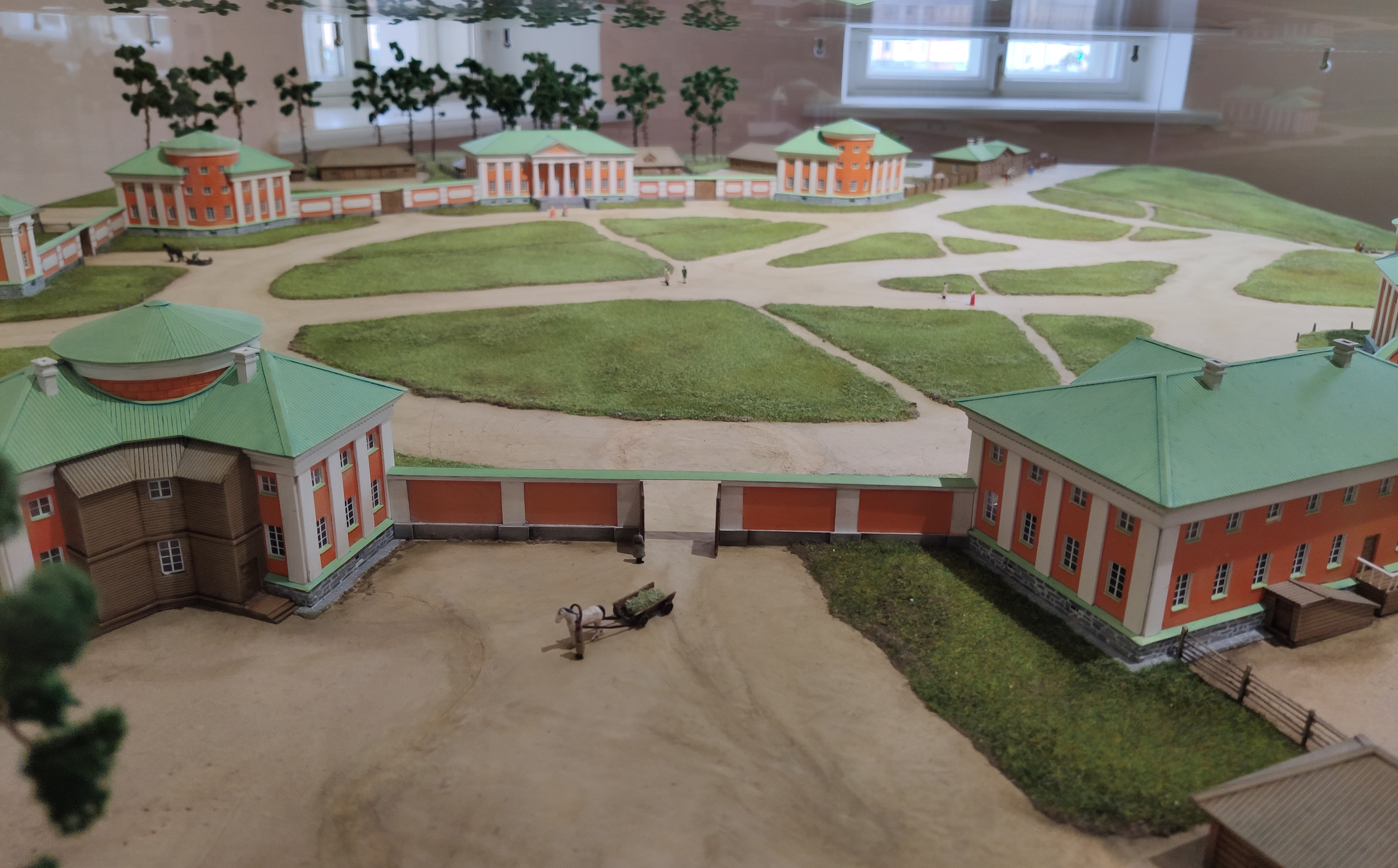 a model of the Round Square (now Lenin Square) of Petrozavodsk from 1775-1785
